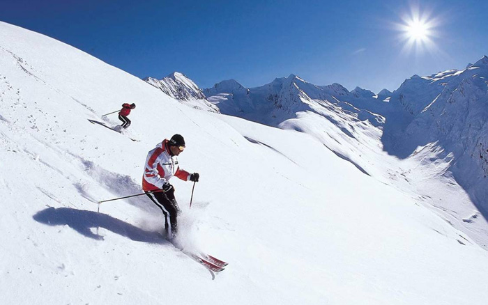 Skiing Tours
